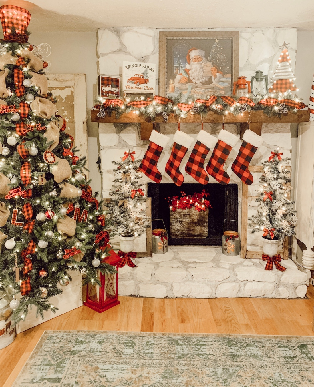Christmas decor, living room, mantel decor, christmas tree, garland